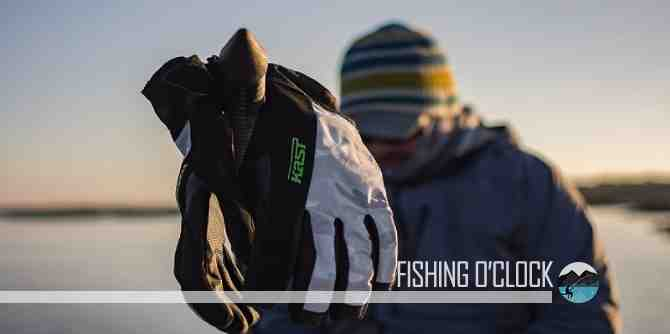 Best Fishing Gloves Reviews featured